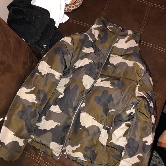 4dd678cbc74d1 Divided Jackets & Coats   Camo Puffer Jacket From Hm   Poshmark